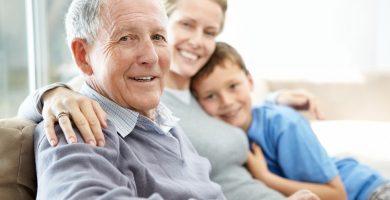 como convencer a un anciano para usar un andador