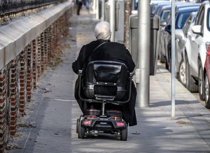 scooter electrico para ancianos